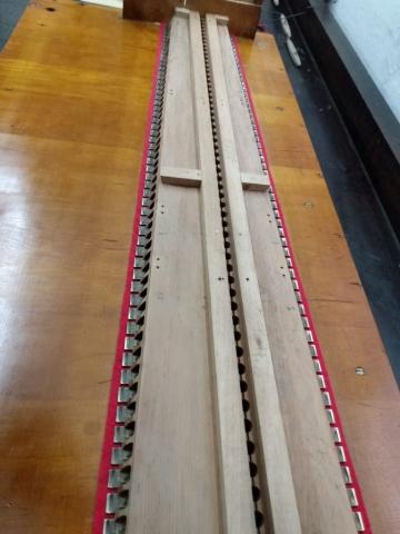 Completado el juego de lengüetas en secreta restaurada de armonio alemán