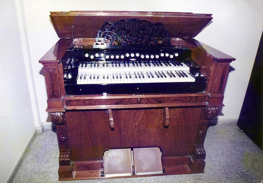 Restauración completa de armonio doble teclado, original